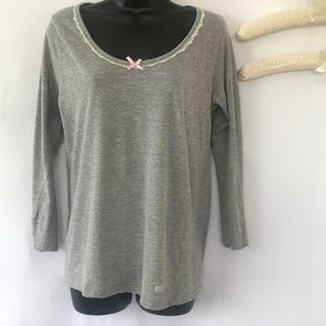 Jessica Simpson Gray Long Sleeve Top With Pink Bow